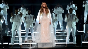 set_grammy_performances_beyonce